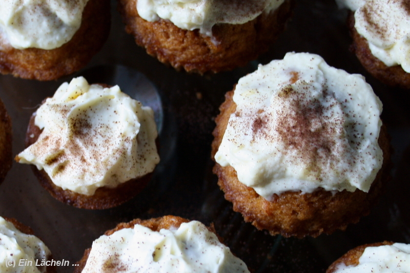 Karotten-Cupcakes mit Frischkäse-Topping